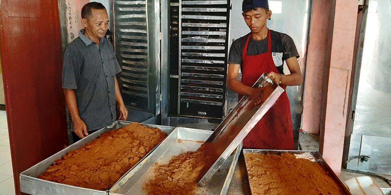Cara-Membuat-Gula-Semut-Dari-Gula-Merah
